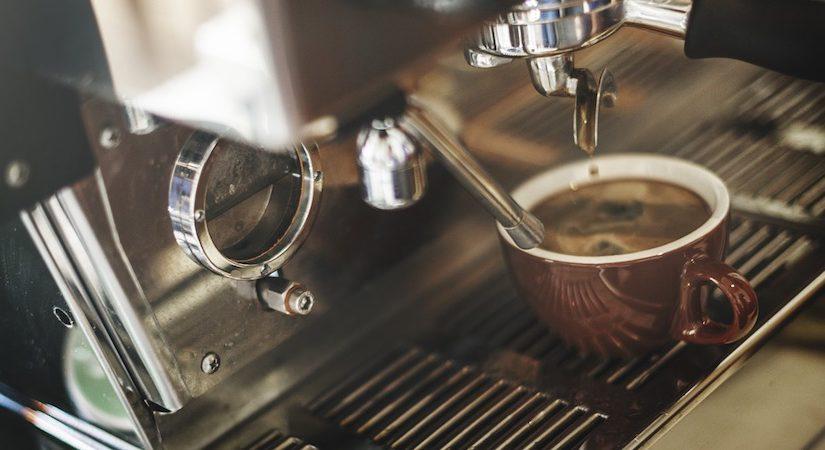 jak dbac o ekspres do kawy