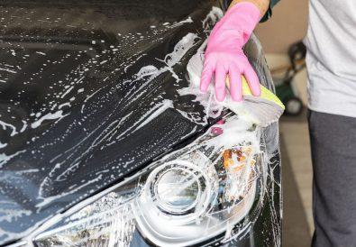 Samodzielne mycie samochodu